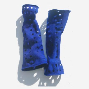 gauntlet-gloves